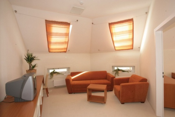 Hotel sopianae alberghi tour de dental per un for Garage programma progetti gratuiti